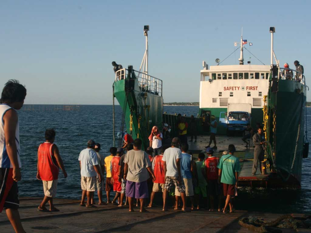 Santa-Fe-Port-Bantayan-Island